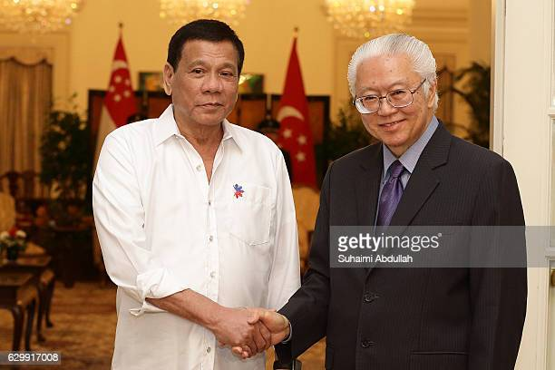 Philippine President Rodrigo Duterte meets with Singapore President Tony Tan Keng Yam at the Istana on December 15 2016 in Singapore Duterte is on a...