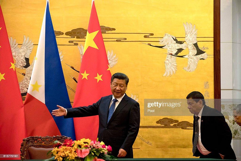 Philippine President Rodrigo Duterte Visits China : News Photo