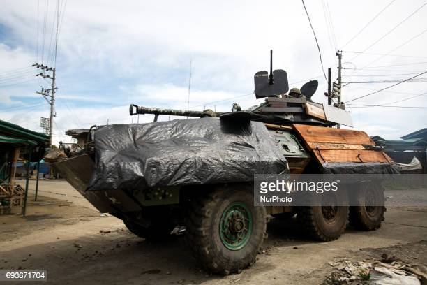 Philippine troops continue to move forward to fight Islamist rebels while government troops are trying to recover other estimated 2000 civilians who...