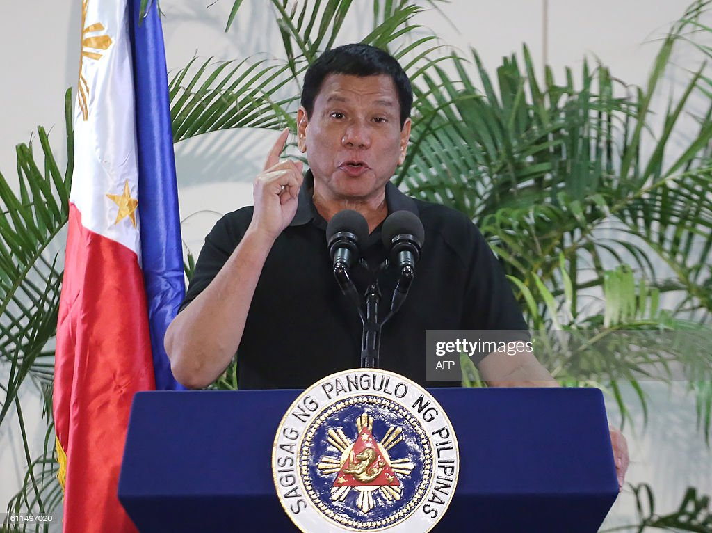 PHILIPPINES-POLITICS-RIGHST-DRUGS-CRIME-DUTERTE : News Photo