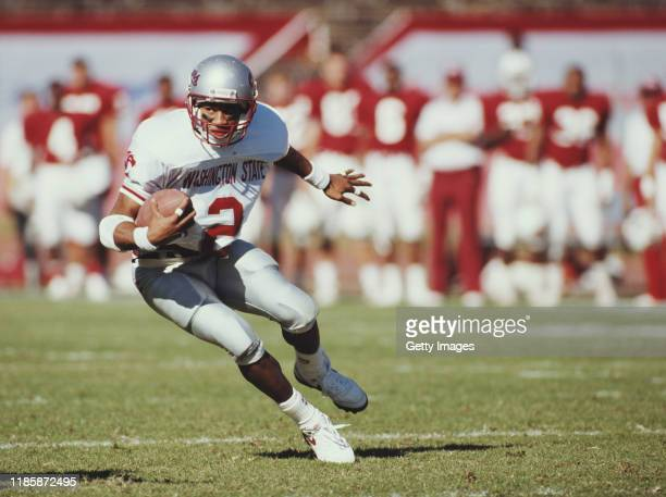 Phillip Bobo, wide receiver for the Washington State Cougars during the NCAA Pac-10 college football game against the Stanford Cardinal on 3rd...