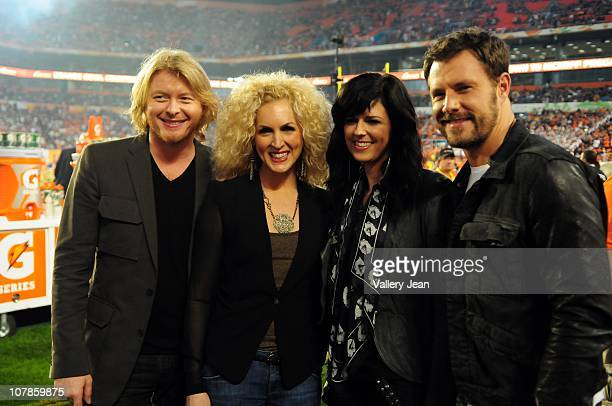 Phillip Sweet Kimberly Schlapman Karen Fairchild and Jimi Westbrook of Little Big Town perform the National Anthem at the 2011 Discover Orange Bowl...