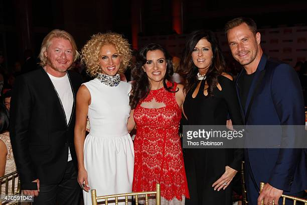 Phillip Sweet Kimberly Schlapman Silvia Davi Karen Fairchild and Jimi Westbrook of Little Big Town attend the Food Bank For New York City Can Do...