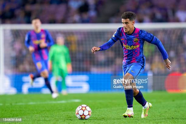 Phillipe Coutinho of FC Barcelona runs with the ball during the UEFA Champions League group E match between FC Barcelona and Dinamo Kiev at Camp Nou...