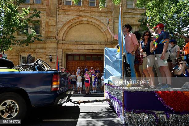 philly pride parade - basslabbers, bastiaan slabbers stock pictures, royalty-free photos & images