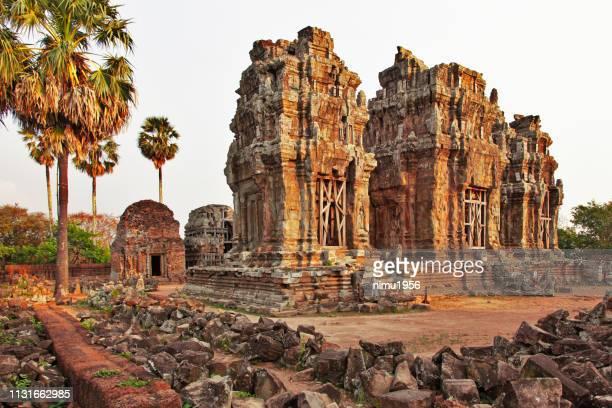 phnom krom tempel. angkor archäologisches gebiet. kambodscha - kambodscha stock-fotos und bilder