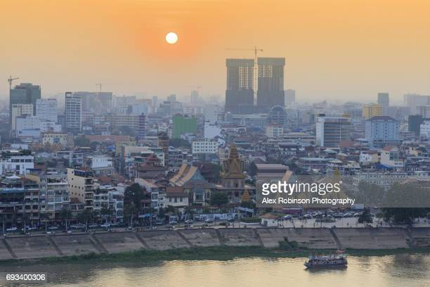 phnom penh skyline - phnom penh stock pictures, royalty-free photos & images
