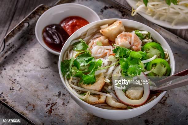 Pho, Vietnamesisk soppa skål, med fisk och skaldjur