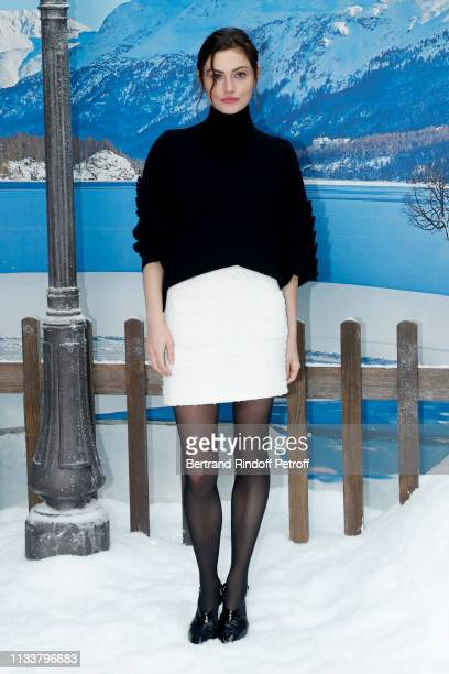 Phoebe Tonkin attends the Chanel show as part of the Paris Fashion Week Womenswear Fall/Winter 2019/2020 on March 05 2019 in Paris France