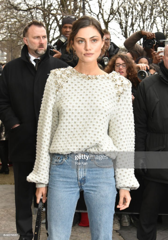 Phoebe Tonkin attends the Chanel show as part of the Paris Fashion Week Womenswear Fall/Winter 2017/2018 on March 7, 2017 in Paris, France.