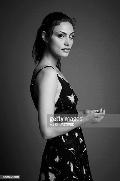 Phoebe Tonkin poses for a portrait at the Getty Images Portrait Studio powered by Samsung Galaxy at ComicCon International 2014 on July 24 2014 in...