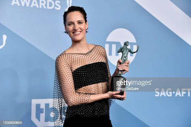 Phoebe Waller-Bridge poses in the press room with the trophy for Best Performance by an Actress in a Television Series - Musical or Comedy during the...