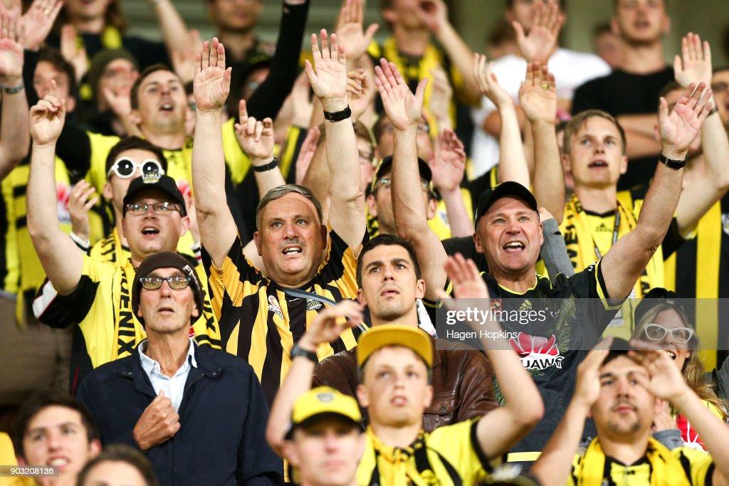 A-League Rd 15 - Wellington v Melbourne : News Photo