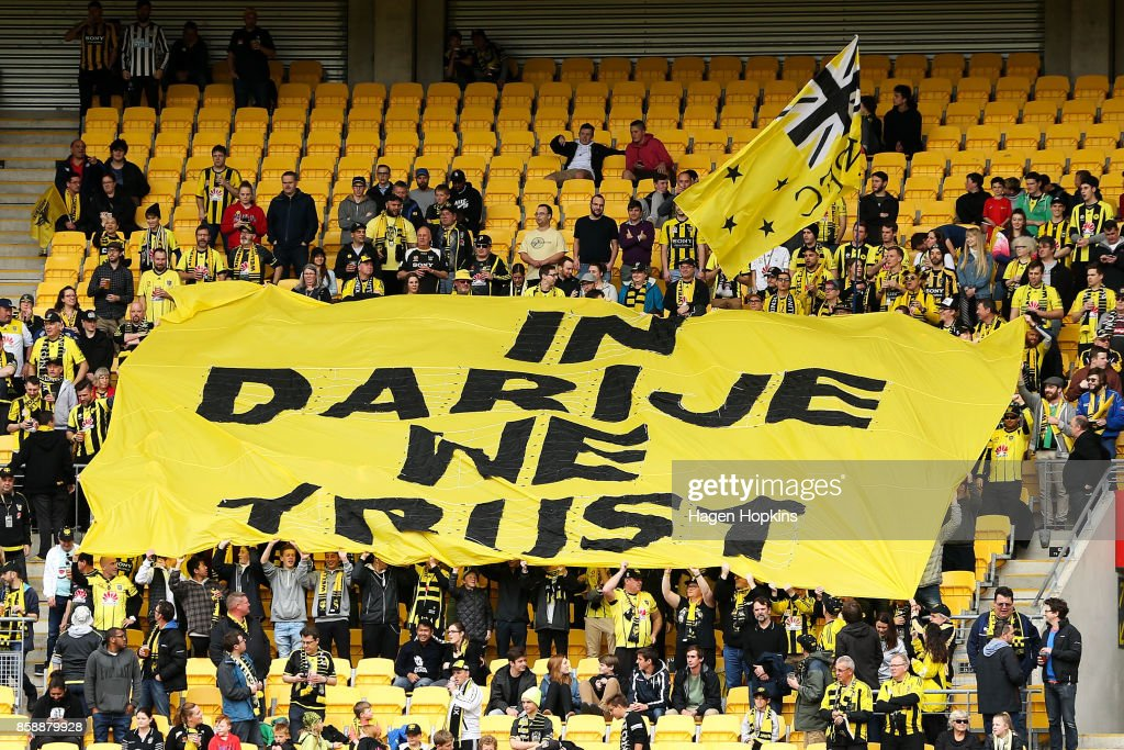 A-League Rd 1 - Wellington v Adelaide : News Photo