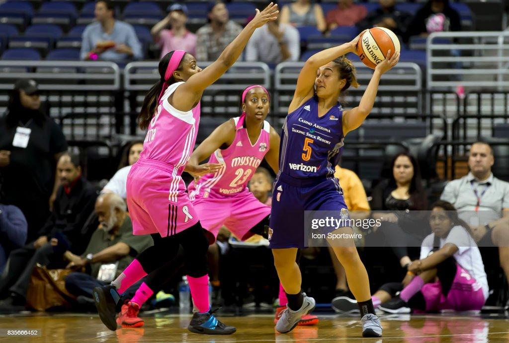 WNBA: AUG 18 Phoenix Mercury at Washington Mystics : Foto jornalística