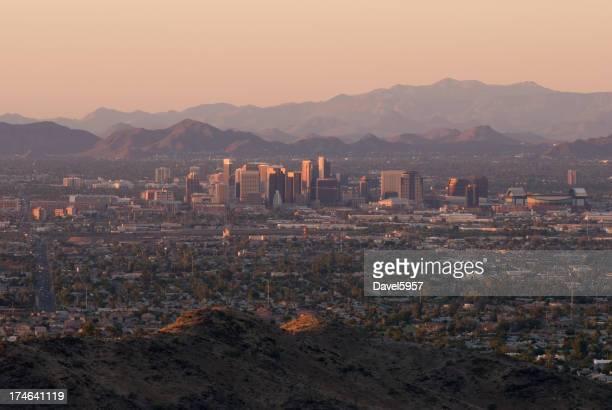 Vue sur la ville de Phoenix au coucher du soleil