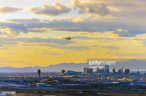 phoenix skyline sunset - phoenix arizona stock pictures, royalty-free photos & images