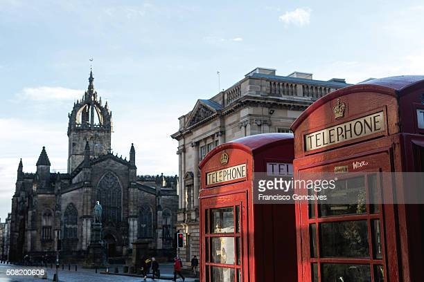 phone booths in the royal mile - st. giles cathedral stock pictures, royalty-free photos & images