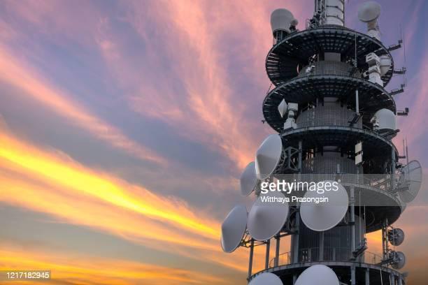 phone transmitter antenna - テレビ塔 ストックフォトと画像