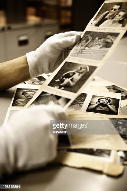 photo albums with photographs from hulton archive - archival stock pictures, royalty-free photos & images