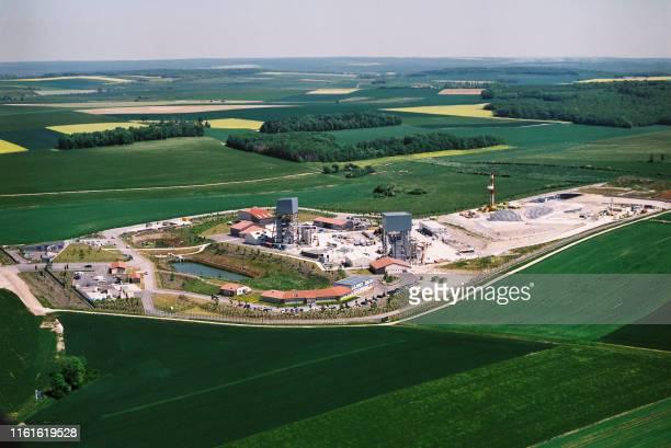 Photo aérienne prise en mai 2004 du laboratoire de recherche souterrain de Bure. A près de 450 mètres de profondeur, le laboratoire commence à livrer...