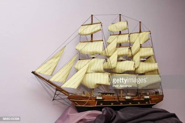 photo by: petr aksenov - vaisseau de guerre photos et images de collection