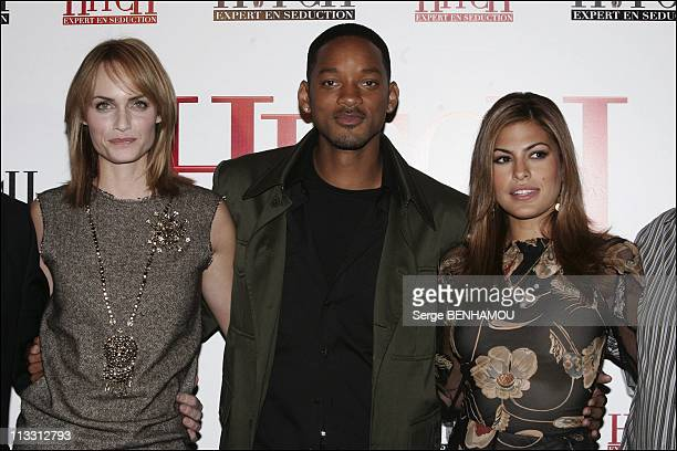 Photo Call For The Film 'Hitch' With Will Smith On February 28Th 2005 In Paris France Amber Valletta Will Smith Eva Mendes