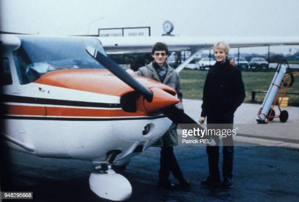 Photo d'archive du jeune pilote allemand Mathias Rust à gauche qui a réussi l'exploit de poser son petit monomoteur Cessna près de la Place Rouge à...