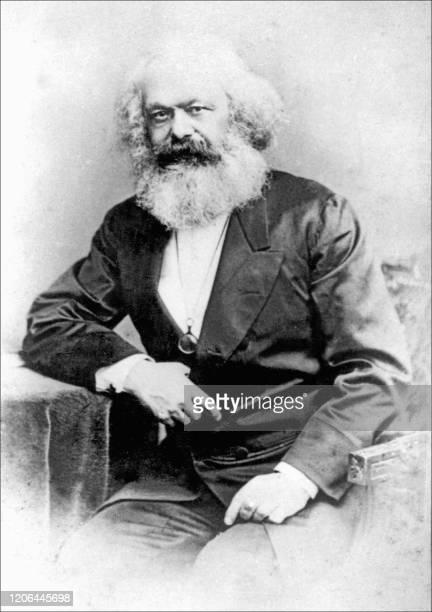 Photo datant de 1875 du philosophe et homme politique allemand Karl Marx, auteur en 1847, avec Friedrich Engels, du Manifeste du parti communiste. A...