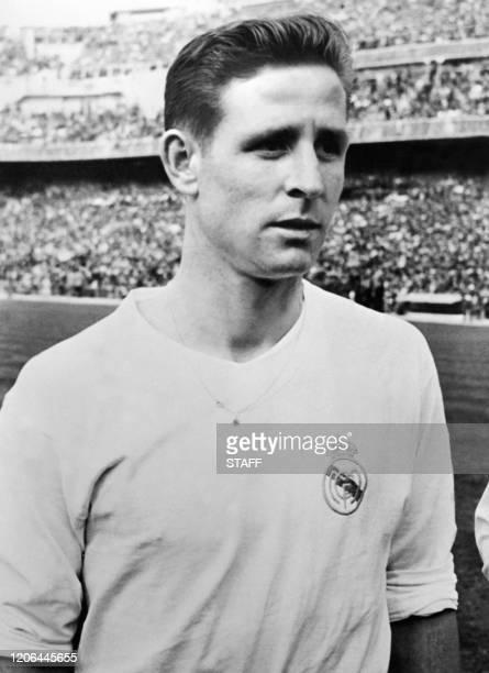 Photo de l'attaquant français de l'équipe de football du Real Madrid, avec laquelle il remportera trois fois la Coupe des clubs champions, devenue...