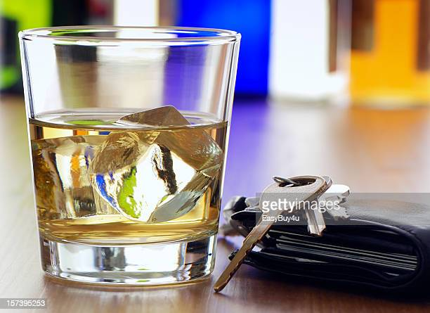 photo depicting alcohol and driving - drinking and driving stock photos and pictures