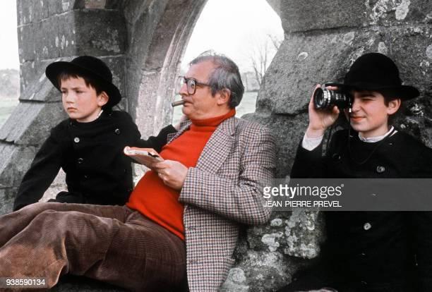 """Photo du cinéaste français Claude Chabrol, pris sur le tournage du film """"Le Cheval d'orgueil"""" en 1979 dans le Pays Bigouden. Né le 24 juin 1930 à..."""