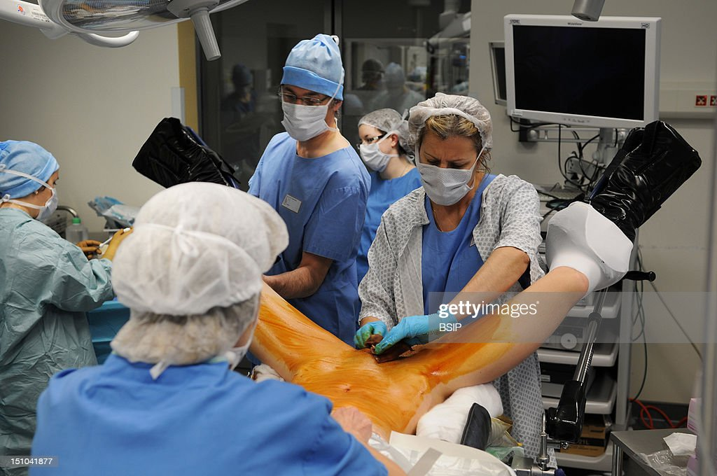 hysteroovariectomy pictures getty images