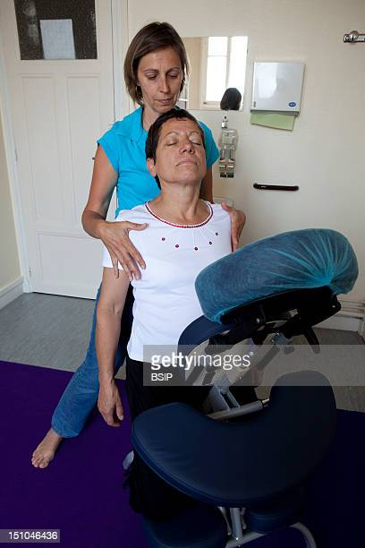 Photo Essay At The Hospital Of Meaux 77 France Department Of Occupational Medecine Nursing Receiving A Seated Massage Minute On An Ergonomic Chair