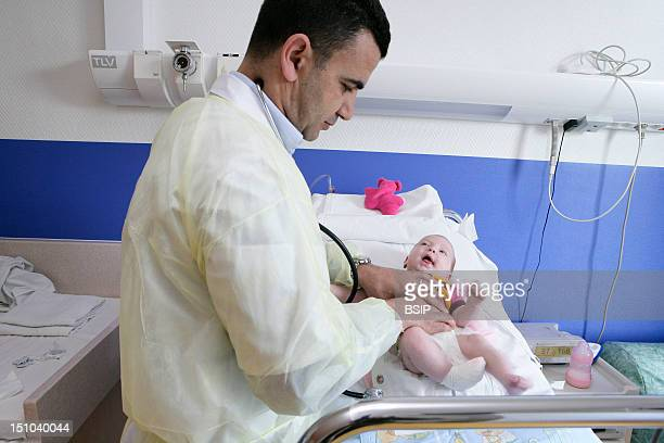 Photo Essay At The Hospital Of Meaux 77 France Department Of Pediatrics 'Little' Examination Of An Infant