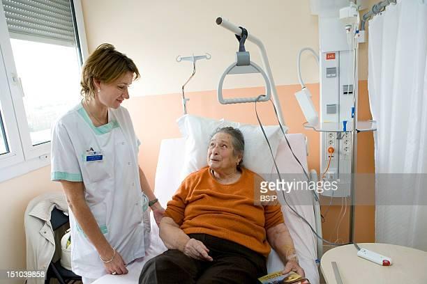 Photo Essay From Hospital Ambroise Pare Hospital Boulogne Billancourt France Outpatient Hospital Nurse With A Patient
