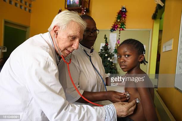 Photo Essay In A Hospital In Brazzaville Congo Medical Consultation With Pr Alain Deloche