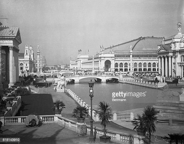 Photo gives a general view of the World's Fair of Chicago 1893 showing the north and south basins from the Colonade
