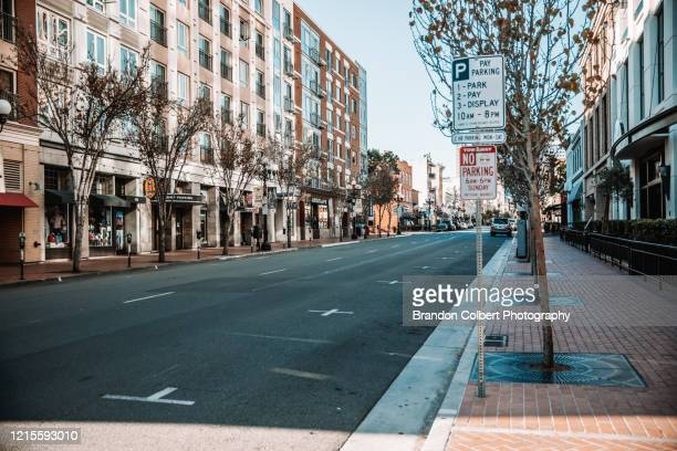photo journalism of san diego,ca. covid-19 - stadsstraat stockfoto's en -beelden