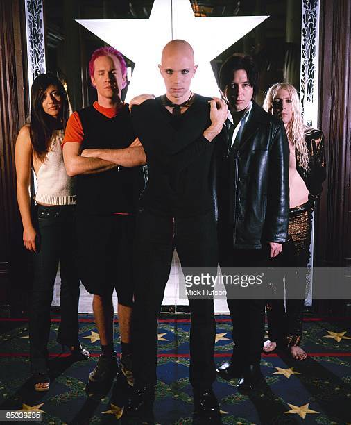 ARENA Photo of A PERFECT CIRCLE and Paz LENCHANTIN and Josh FREESE and Billy HOWERDEL and Troy VAN LEEUWEN and Maynard James KEENAN Posed group...