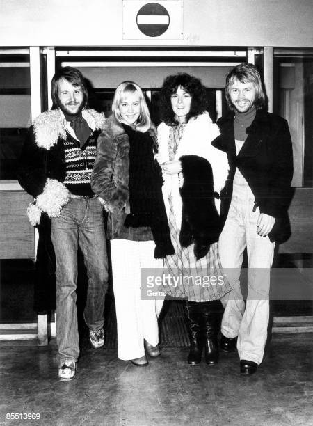 Photo of ABBA LR Benny Andersson Agnetha Faltskog AnniFrid Lyngstad Bjorn Ulvaeus posed group shot