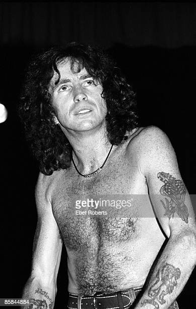 PALLADIUM Photo of AC DC and AC/DC and Bon SCOTT Bon Scott performing live onstage