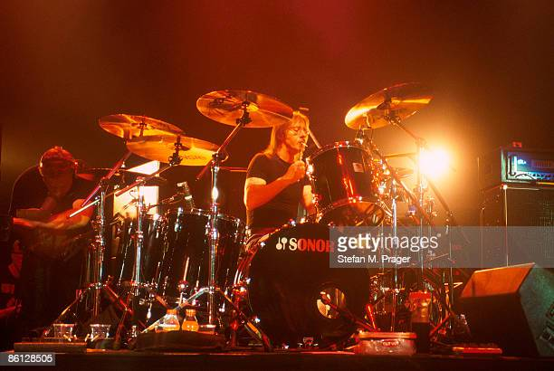 CLUB Photo of AC DC and AC/DC and Phil RUDD Phil Rudd performing live onstage