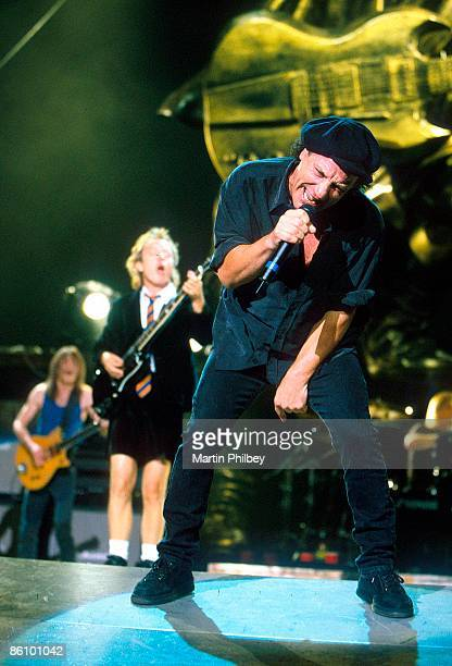 PARK Photo of AC/DC and Angus YOUNG and Malcolm YOUNG and Brian JOHNSON and AC DC Malcolm Young Angus Young Brian Johnson performing live onstage