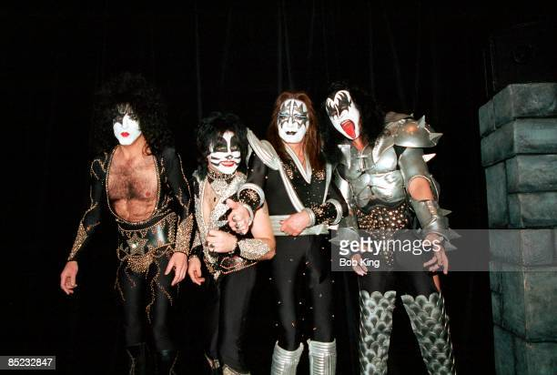 Photo of Ace FREHLEY and Paul STANLEY and KISS and Eric SINGER and Gene SIMMONS, L-R: Paul Stanley, Eric Singer, Ace Frehley, Gene Simmons - posed,...