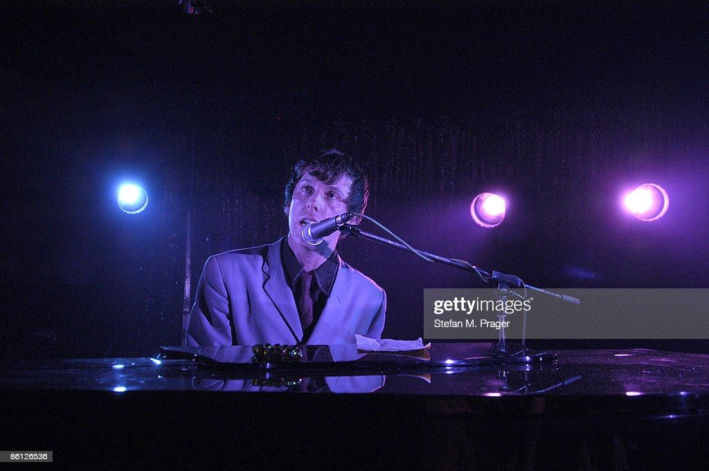 Photo Of Adam Adam Live Im Atomic Cafe Muenchen