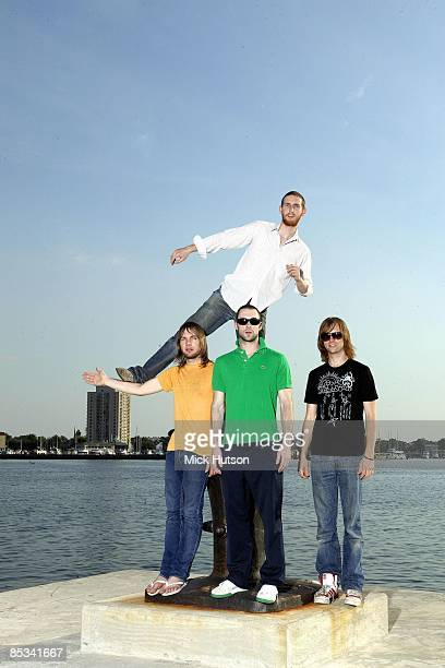 Photo of Adam LEVINE and Mickey MADDEN and MAROON 5 and Jesse CARMICHAEL and James VALENTINE; L-R: Mickey Madden, Adam Levine, James Valentine, Jesse...