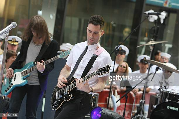 Photo of Adam LEVINE and Mickey MADDEN and MAROON 5 Mickey Madden Adam Levine performing live on the NBC 'Today Show' concert series