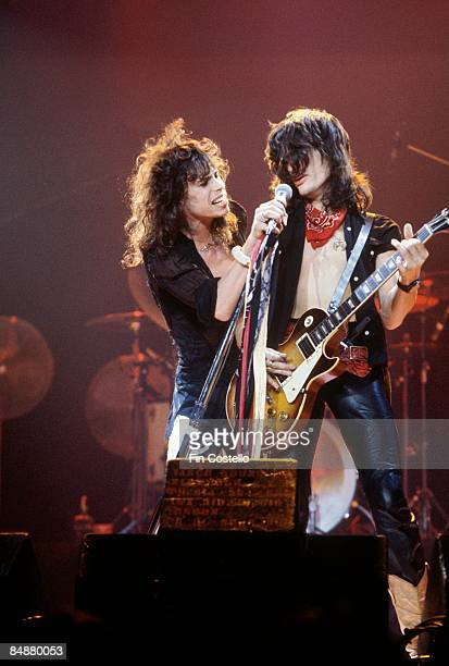 SUMMIT Photo of AEROSMITH and Steven TYLER and Joe PERRY Steven Tyler and Joe Perry performing live onstage