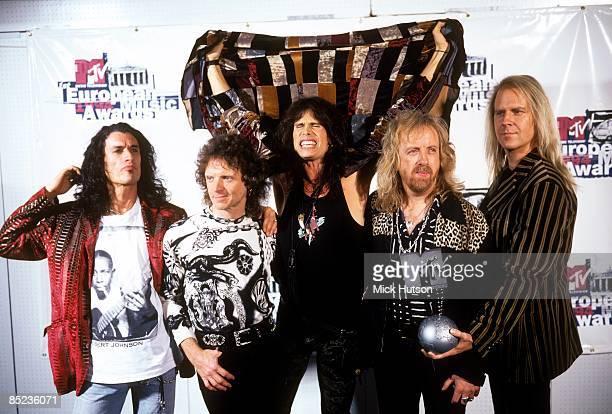 Photo of AEROSMITH and Tom HAMILTON and Steven TYLER and Joey KRAMER and Joe PERRY and Brad WHITFORD, L-R Joe Perry, Joey Kramer, Steven Tyler, Brad...